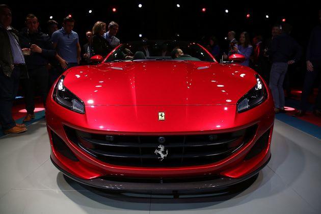 Κατακόκκινη, εντυπωσιακή και εξαιρετικά γρήγορη η νέα Ferrari
