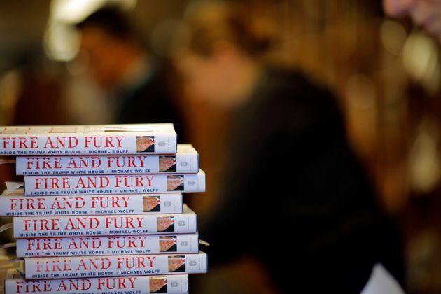 «Fire and Fury»: Είναι το βιβλίο για τη ζωή του Τραμπ στο Λευκό Οίκο «γεμάτο