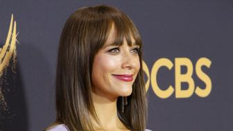 LOS ANGELES, CA - SEPTEMBER 17:  Actor Rashida Jones attends the 69th Annual Primetime Emmy Awards - Arrivals at Microsoft Theater on September 17, 2017 in Los Angeles, California.  (Photo by David Livingston/Getty Images)
