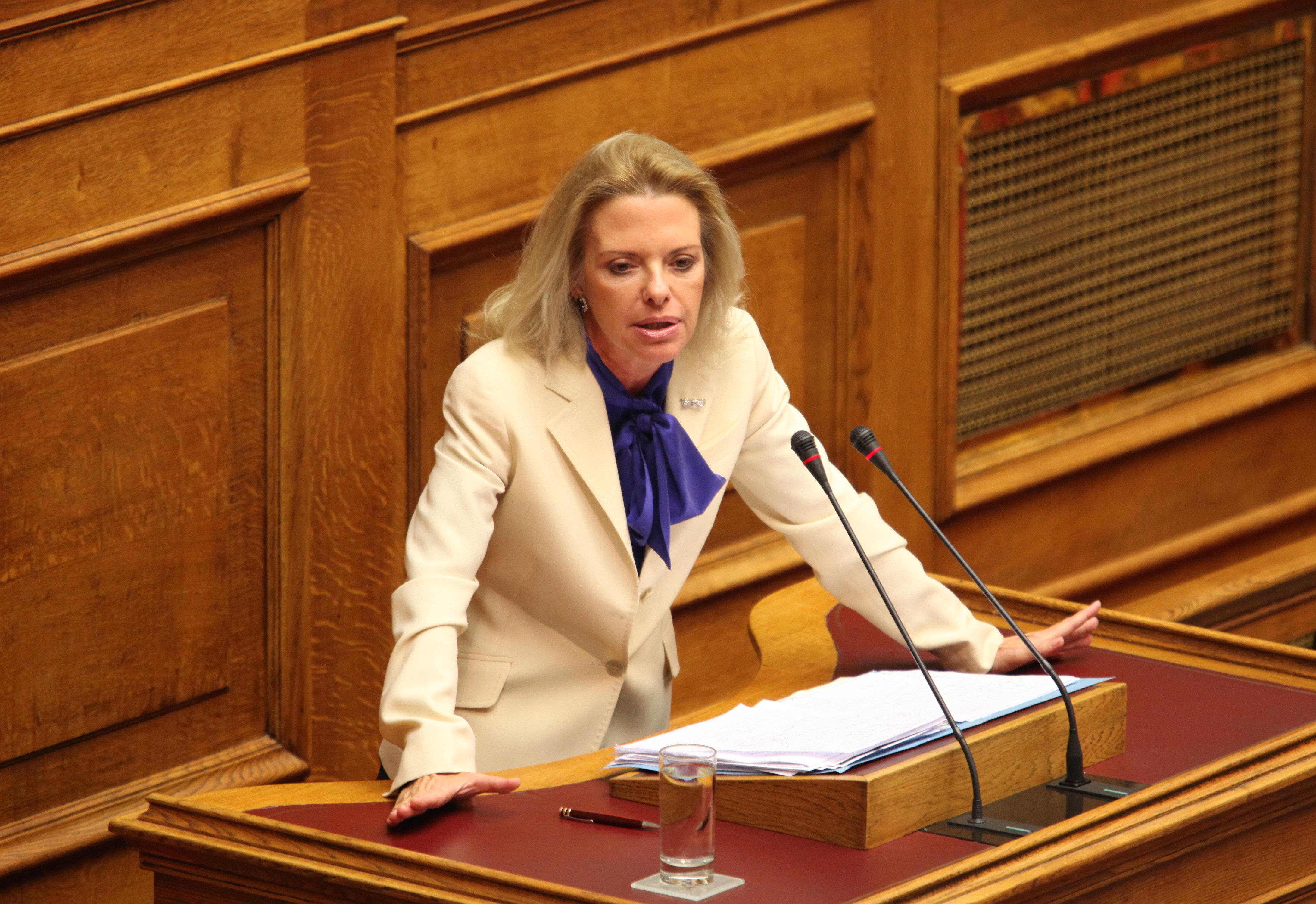 Βόζεμπεργκ: «Στο Σκοπιανό η θέση της κυβέρνησης δεν είναι ούτε σαφής, ούτε