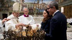 Πάπας Φραγκίσκος στις μητέρες: Θηλάστε ελεύθερα στην Καπέλα
