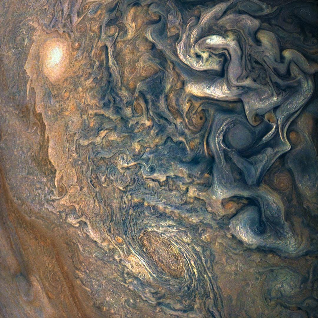 La nave Juno nos regala unas imágenes espectaculares de