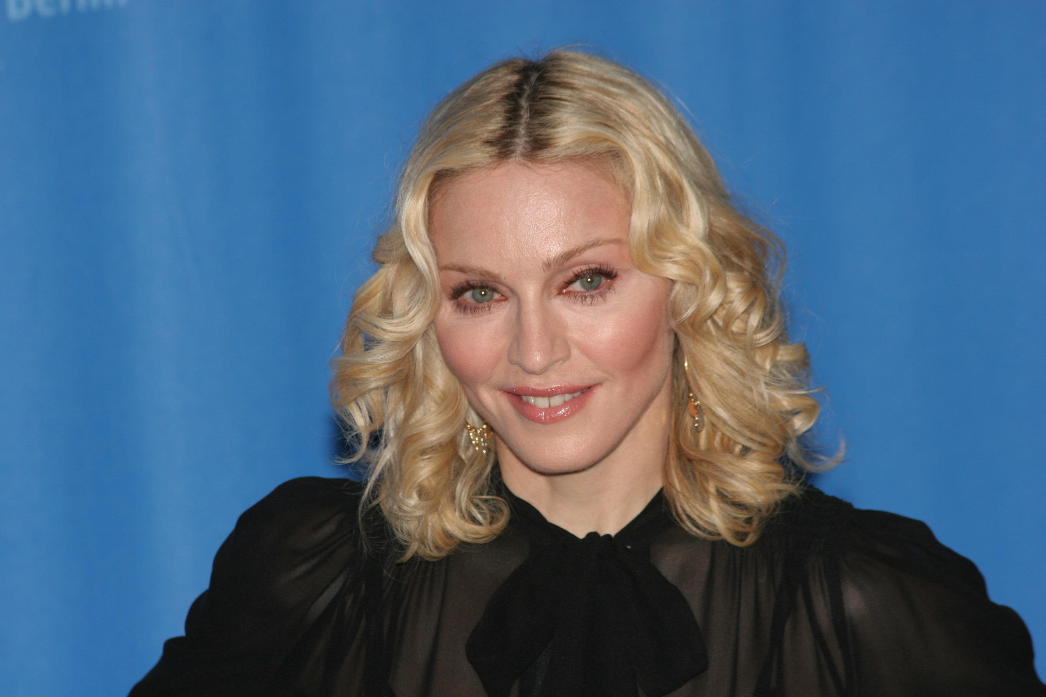 Η Madonna είναι αποφασισμένη να αλλάξει τον κόσμο ανοίγοντας σχολεία στο