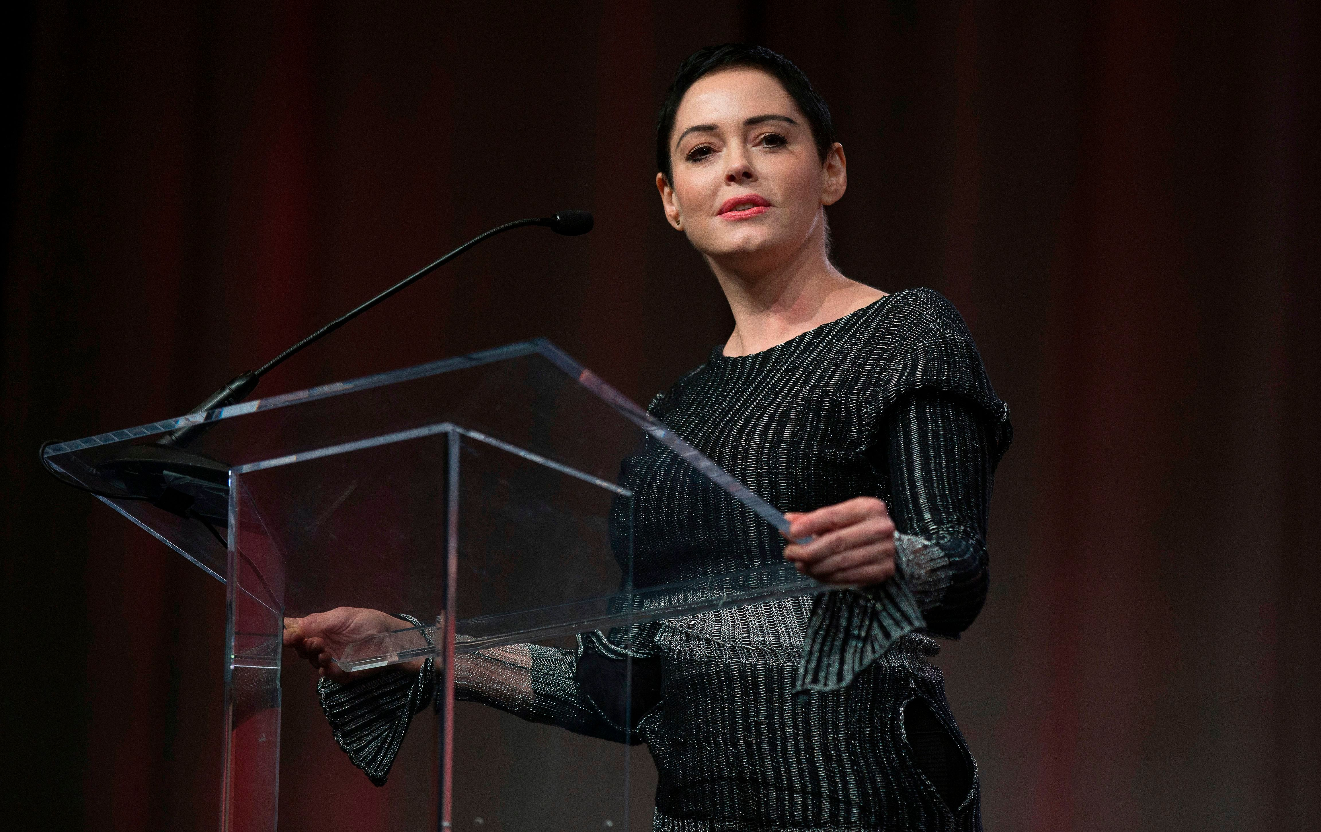 Rose McGowan Blasts 'Hollywood Fakery' In Response To Golden Globes Black Dress