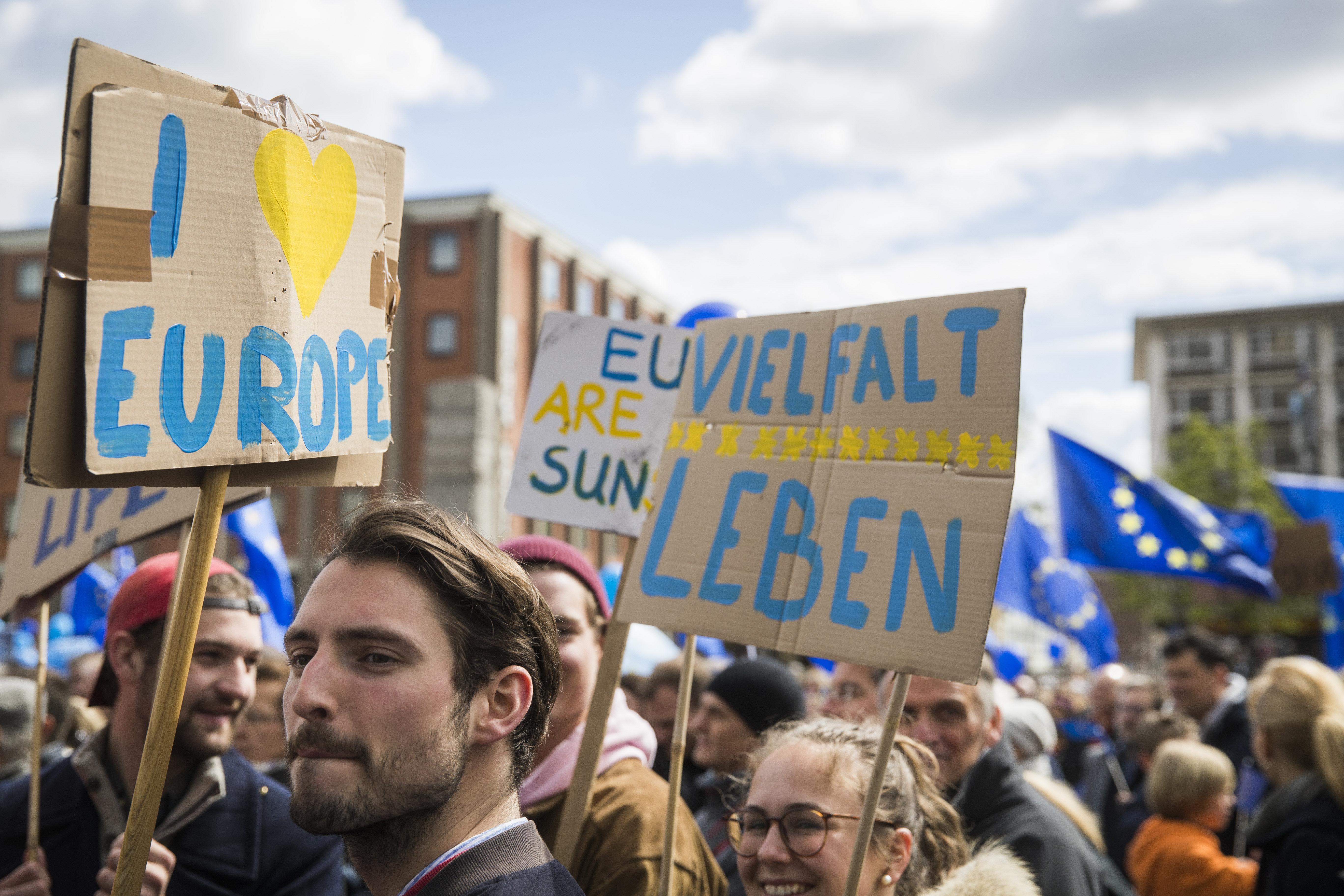An alle, die glauben, dass die EU vor dem Abgrund steht: Diese 6 Zahlen beweisen das