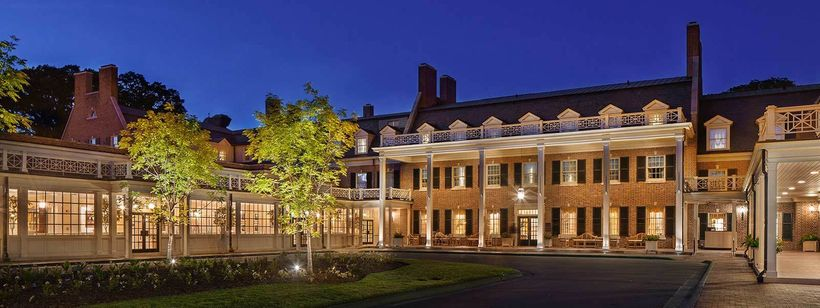 One of the great inns of the South, the Carolina Inn is located on the gorgeous campus of the University of North Carolina.