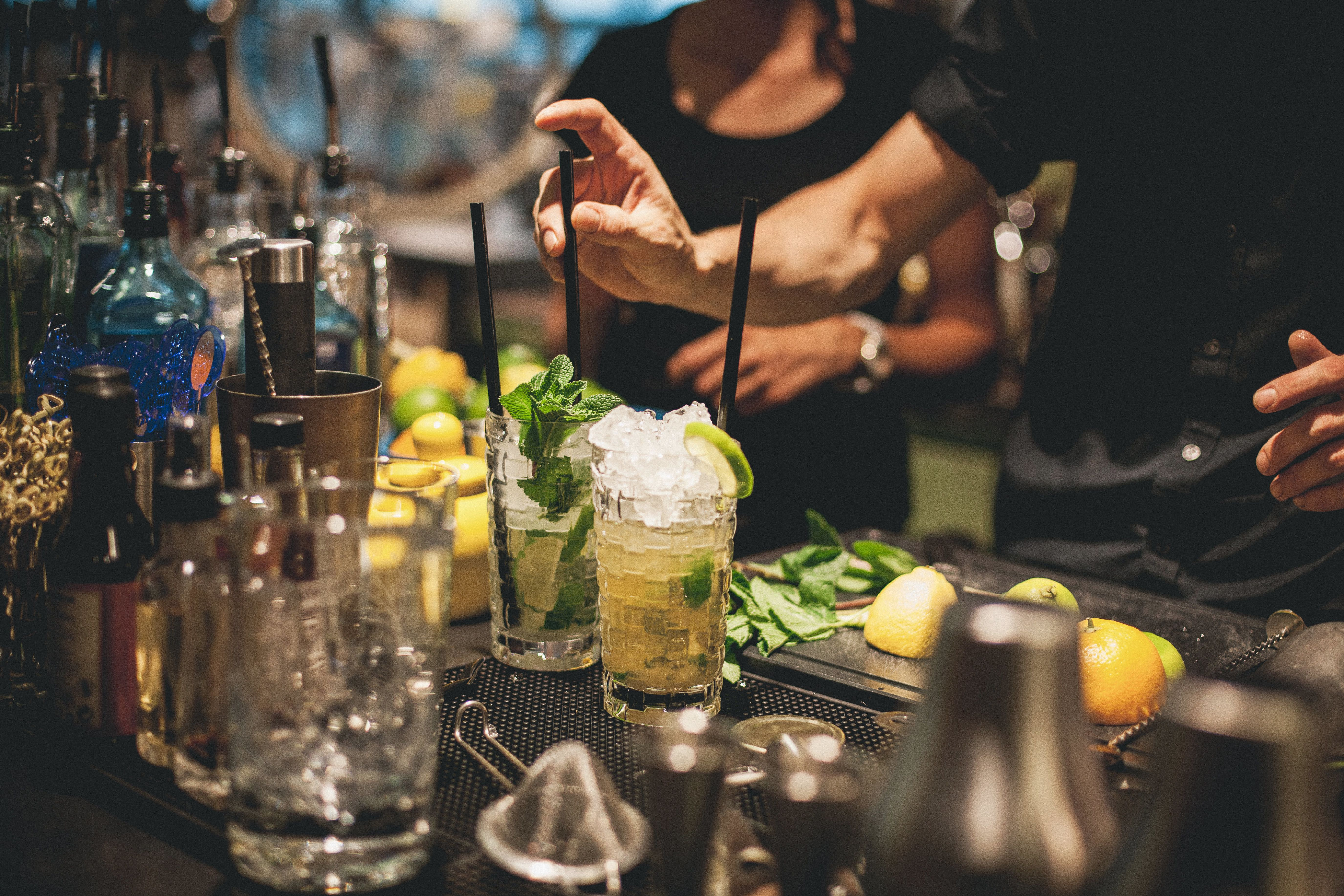 We talked to bartenders abouthow tostand out as a customer.