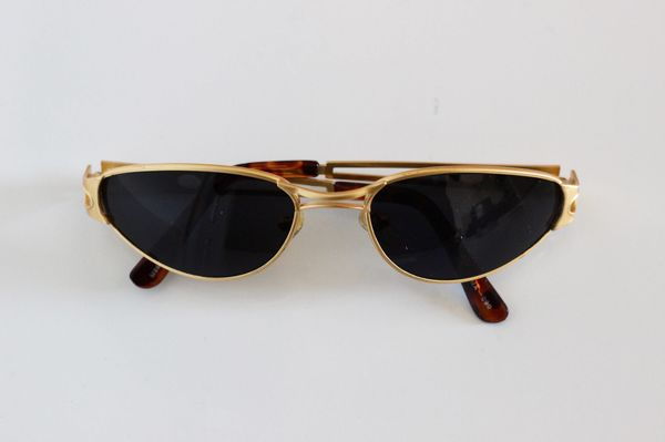 a0bf0c1112 9 Pairs Of Tiny Sunglasses Kanye West Would Approve Of ..