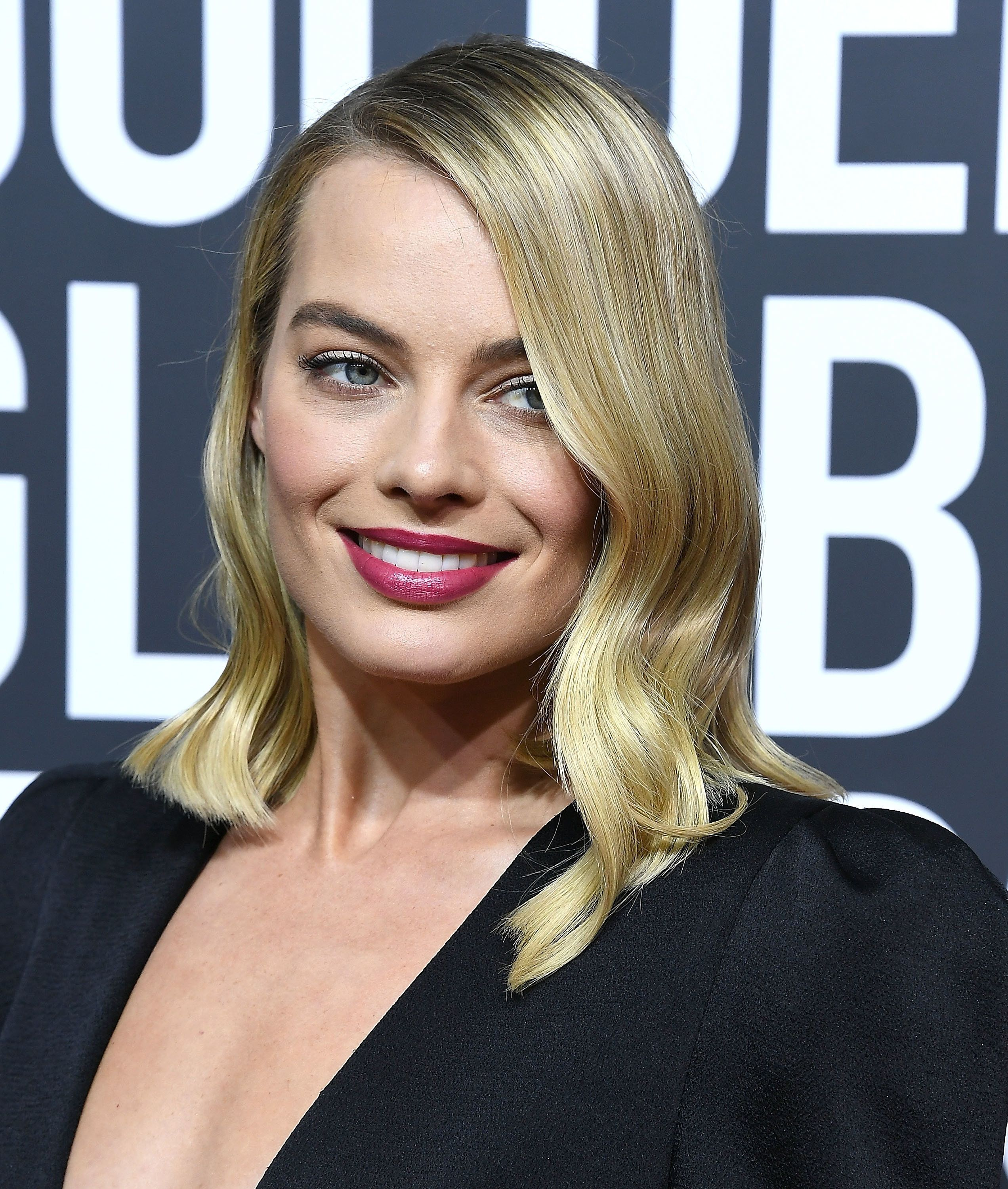 Margot Robbie on the red carpet of the 2018 Golden Globes.
