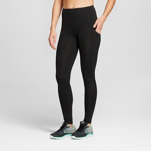 Phone, keys, wallet? Check, check check. Pack light for your quick gym sessions in these yoga pants with pockets. Plus, they'