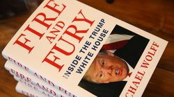 Κάποιοι αγοράζουν το λάθος βιβλίο «Fire and Fury» και παραπονιούνται ότι δεν γράφει για τον Τραμπ (αφού αφορά τον Β'