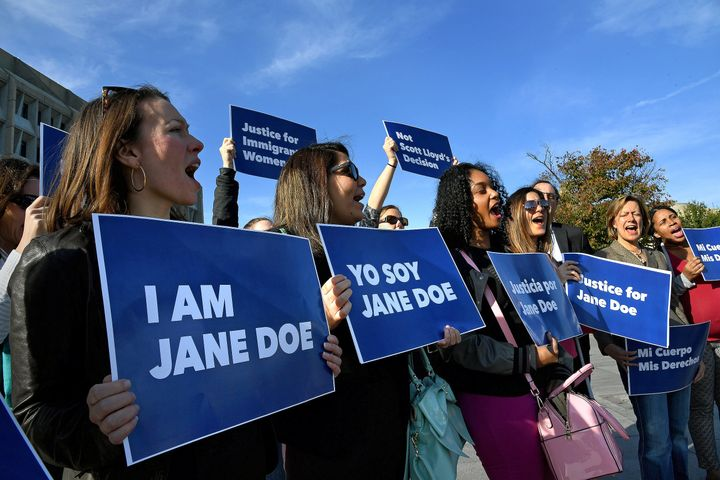 """Protesters rally in support of """"Jane Doe,"""" an immigrant teenager who had to go to court to seek access to an abortion. Since"""