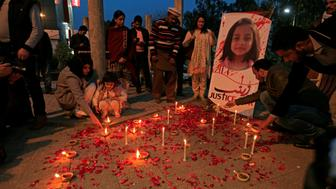 Members of Civil Society light candles and earthen lamps to condemn the rape and murder of 7-year-old girl Zainab Ansari in Kasur, during a candlelight vigil in Islamabad, Pakistan January 11, 2018. REUTERS/Faisal Mahmood