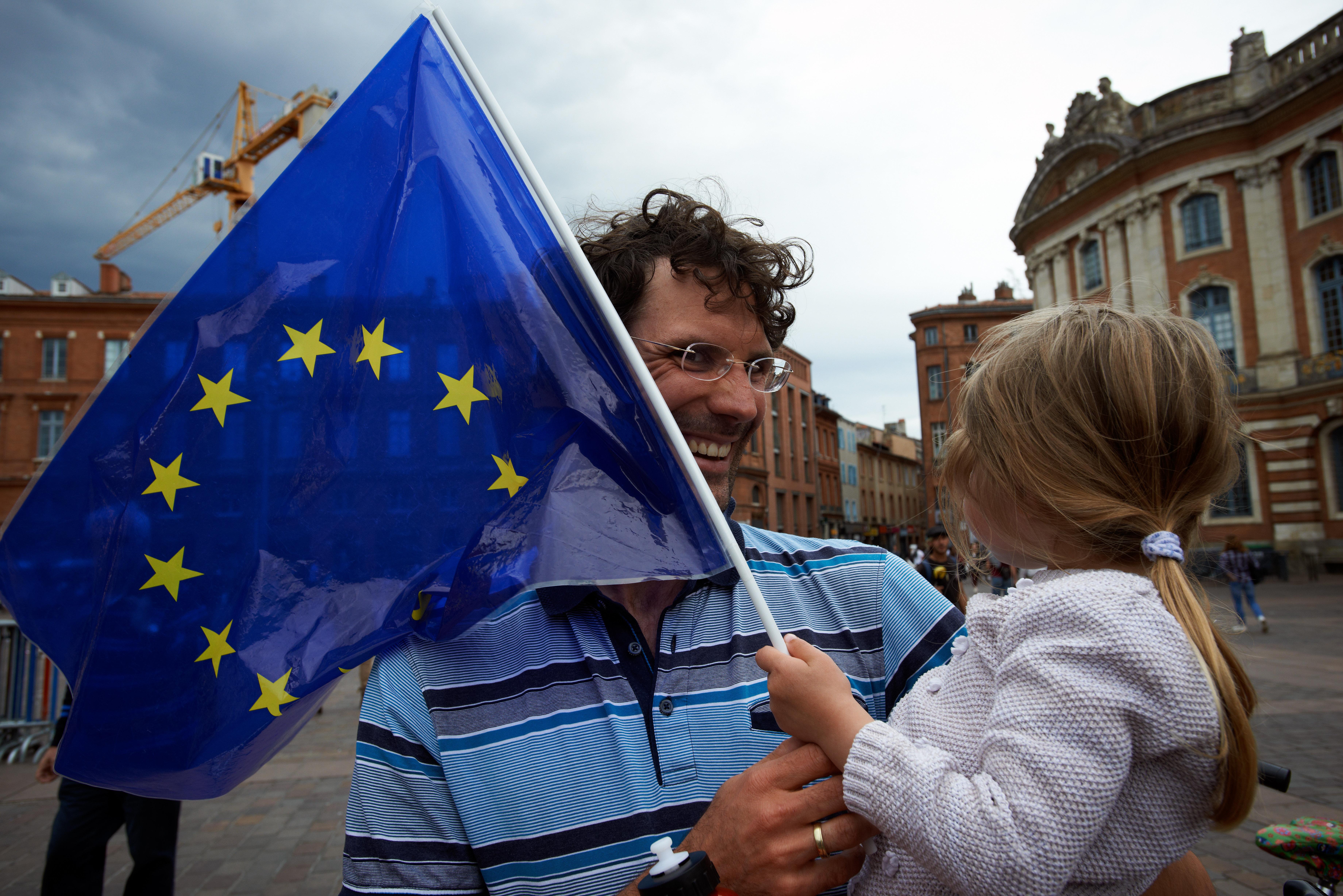 Top-News To Go: Mehrheit der Bürger wollen mehr EU-Integration – und nicht weniger