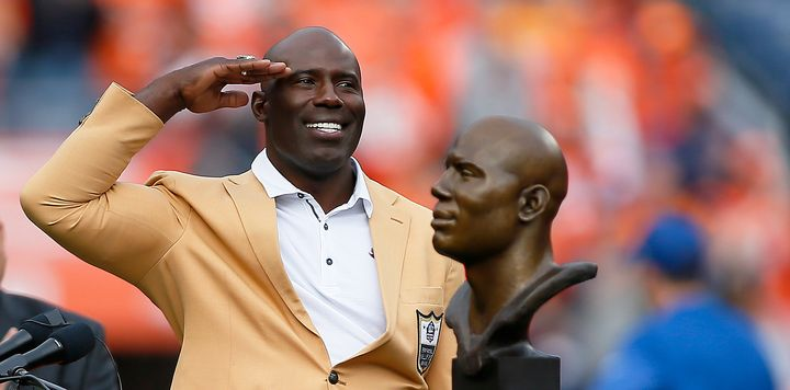 """Terrell Davis gives Broncos fans a """"Mile High salute"""" after being honored with his Hall of Fame inductionbeforeth"""