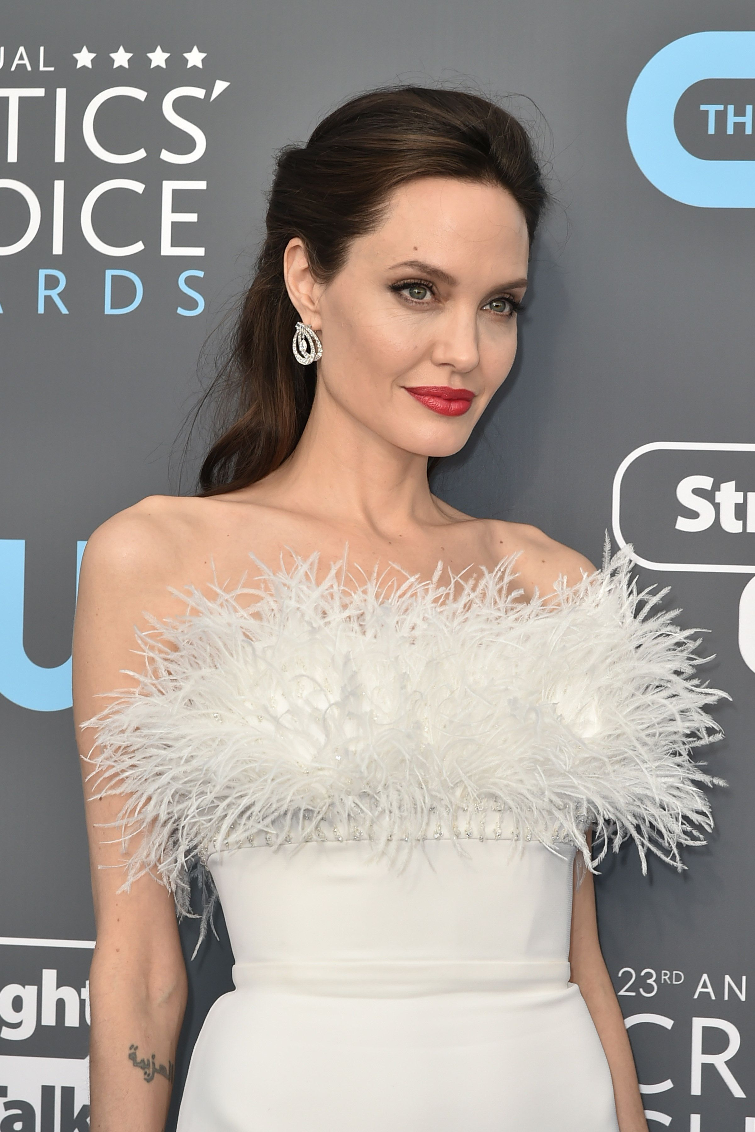 SANTA MONICA, CA - JANUARY 11:  Angelina Jolie attends The 23rd Annual Critics' Choice Awards - Arrivals at The Barker Hanger on January 11, 2018 in Santa Monica, California.  (Photo by David Crotty/Patrick McMullan via Getty Images)
