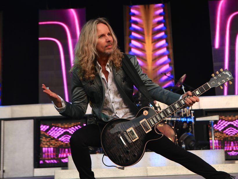 Tommy Shaw, Styx guitarist