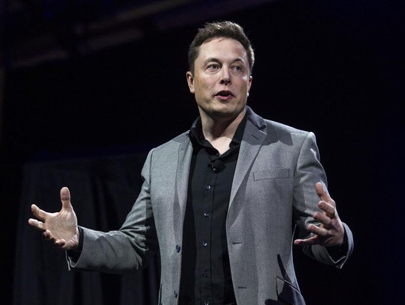 <em>Tesla Motors CEO Elon Musk unveils the company&#39;s newest products, in Hawthorne, Calif. </em>