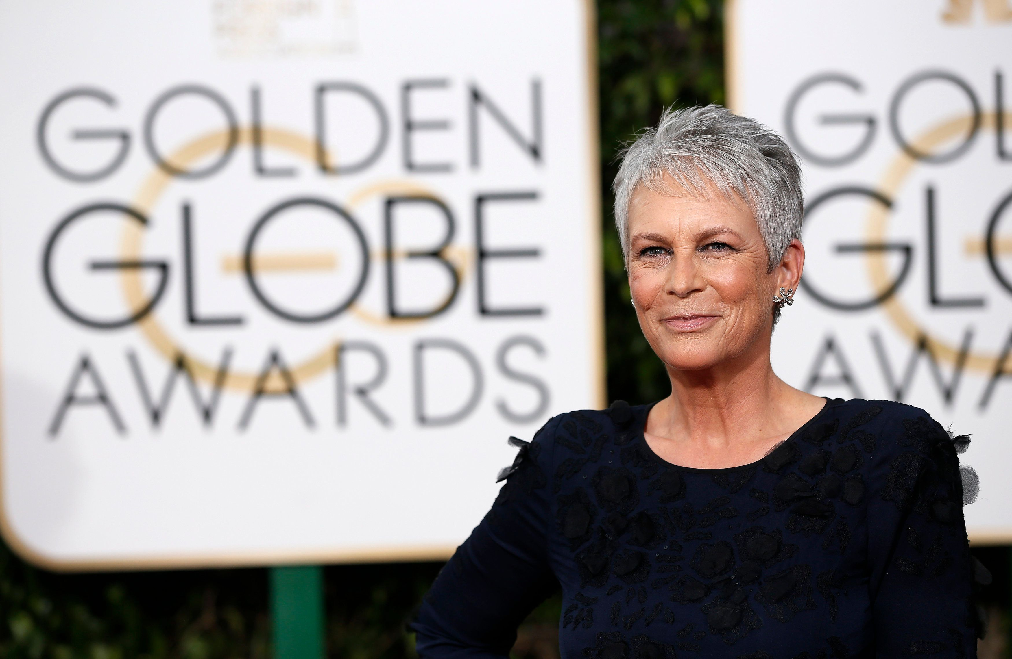 Actress Jamie Lee Curtis arrives at the 73rd Golden Globe Awards in Beverly Hills, California January 10, 2016.  REUTERS/Mario Anzuoni