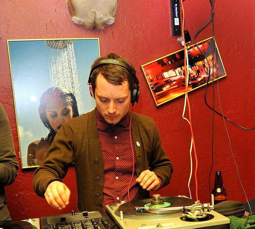 Elijah Wood DJs at Rock & Reilly