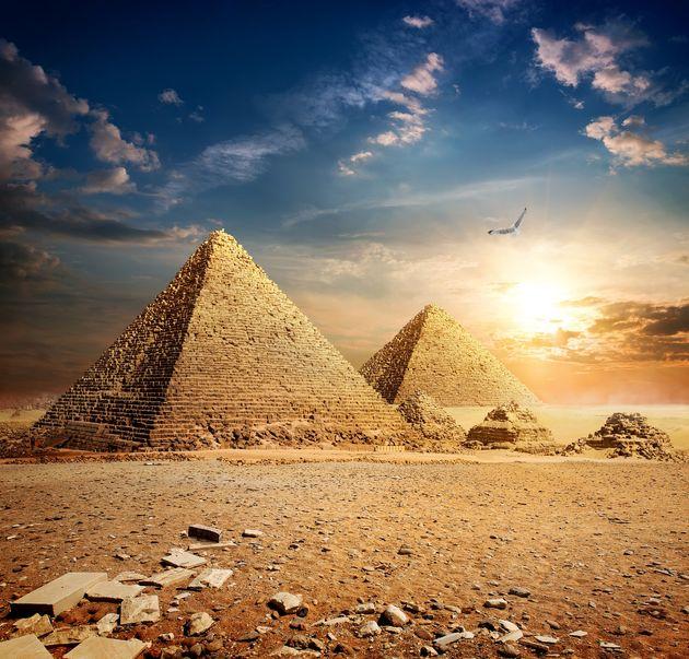 Τι είναι ο «εξωγήινος» θρόνος που λέγεται ότι βρέθηκε σε μυστικό θάλαμο της Πυραμίδας του