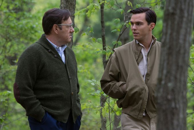 <strong>Salinger (Hoult) with his Columbia University mentor Whit Burnett (Kevin Spacey)</strong>