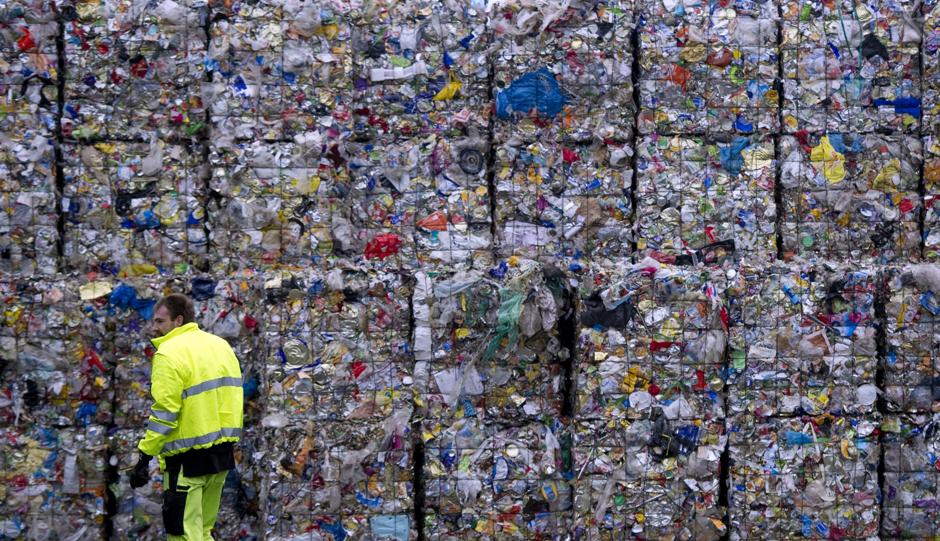 Top-News to Go: EU kündigt revolutionären Schritt im Kampf gegen Plastikmüll