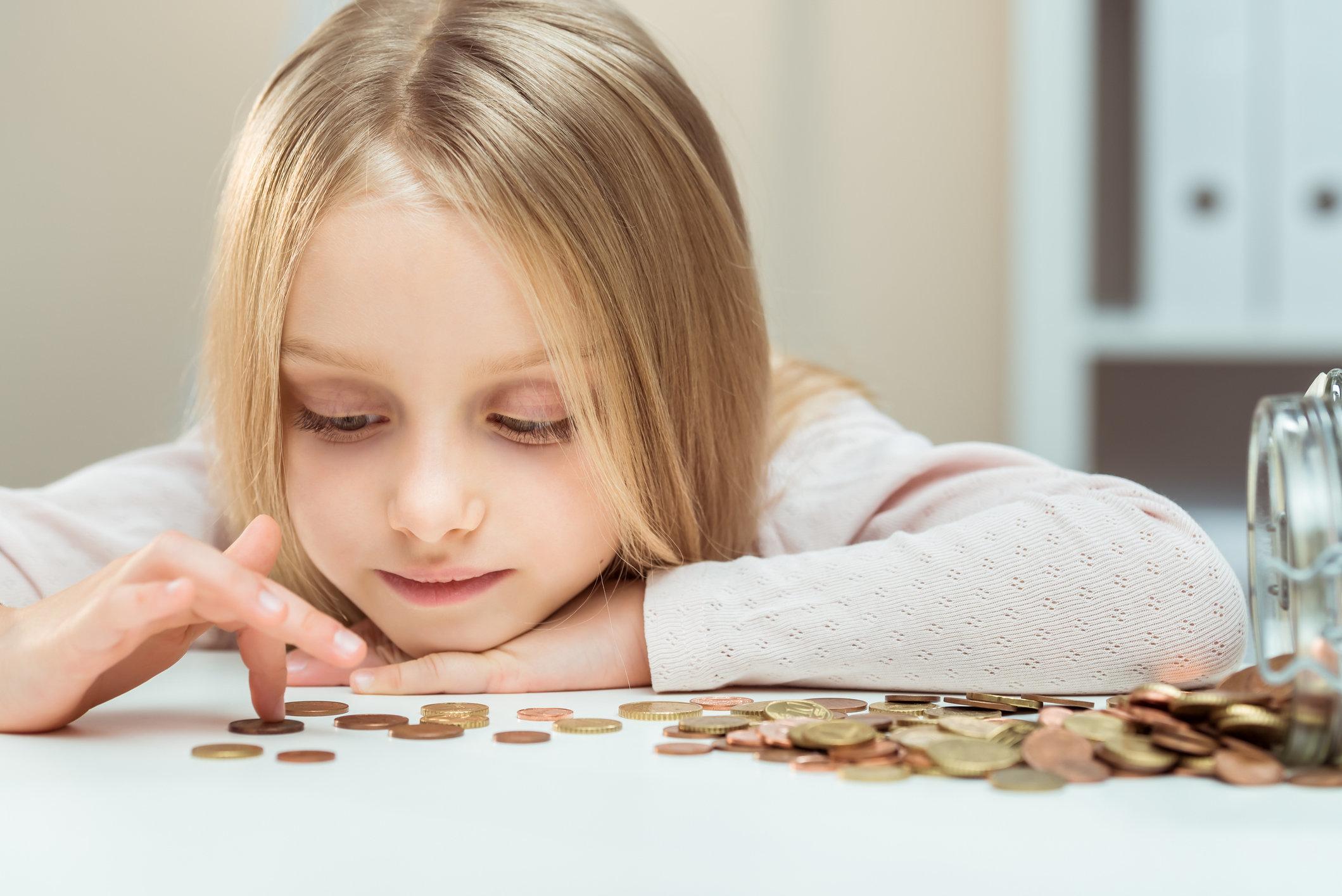 5-Jährige muss ihrer Mutter Miete zahlen – 150.000 Menschen finden das
