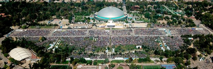 Aerial picture taken during the open-air mass officiated by Pope Francis at O'Higgins Park in Santiago on January 16, 2018.&n