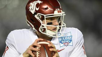 SAN DIEGO, CA - DECEMBER 28: Washington State (3) Tyler Hilinski (QB) looks warms up prior to the kickoff during the Holiday Bowl game between the Washington State Cougars and the Michigan State Spartans on December 28, 2017 at SDCCU Stadium in San Diego, CA. (Photo by Chris Williams/Icon Sportswire via Getty Images)