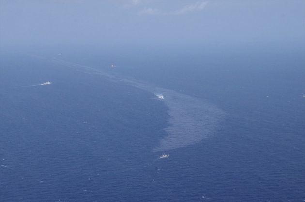 Κίνα: Τεράστιες πετρελαιοκηλίδες μετά το ναυάγιο