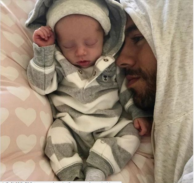 Enrique Iglesias And Anna Kournikova Share First Photos Of Newborn