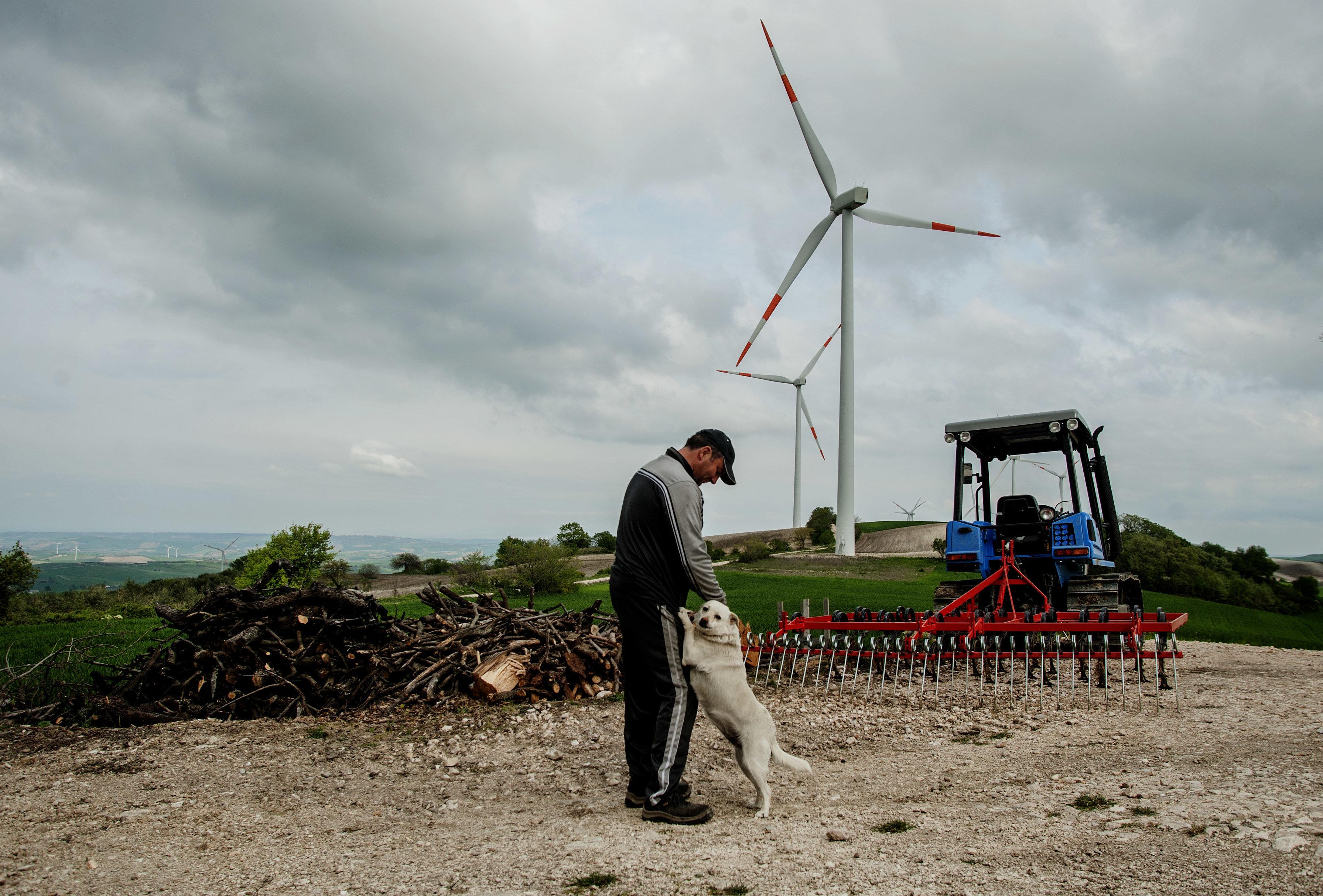 Ein Windfarmer in