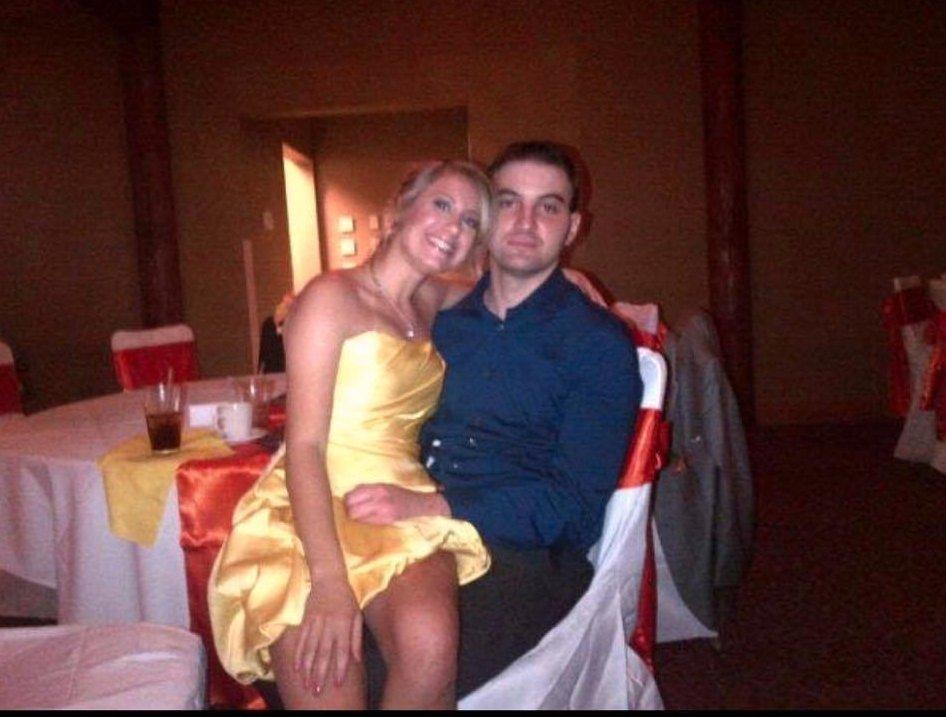 Er verlor seine Frau an Krebs - auf ihrem Handy findet er ein Foto, das sie ihm verheimlicht hat