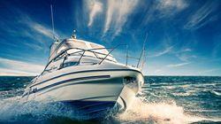 Βίντεο: Σκάφος πέφτει με ταχύτητα σε αλιευτικό. Τρόμος για τους