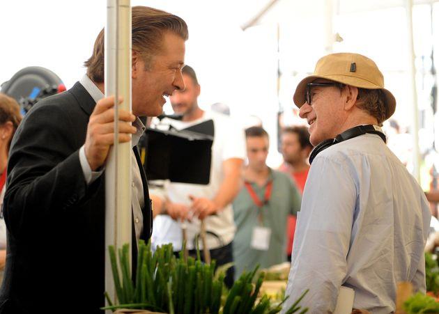 Υπερασπίζεται τον Woody Allen ο Alec Baldwin προκαλώντας καταιγισμό αντιδράσεων