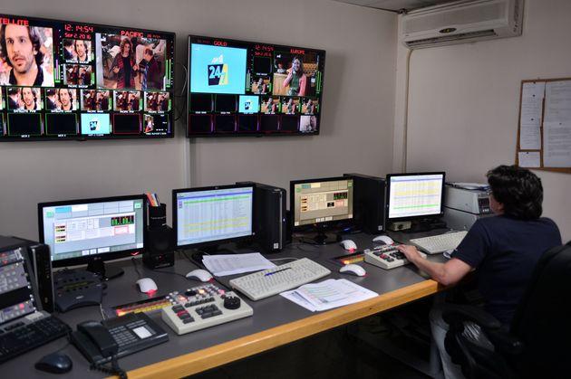 Ολοκληρώθηκε η αποσφράγιση των έξι φακέλων για τις τηλεοπτικές άδειες