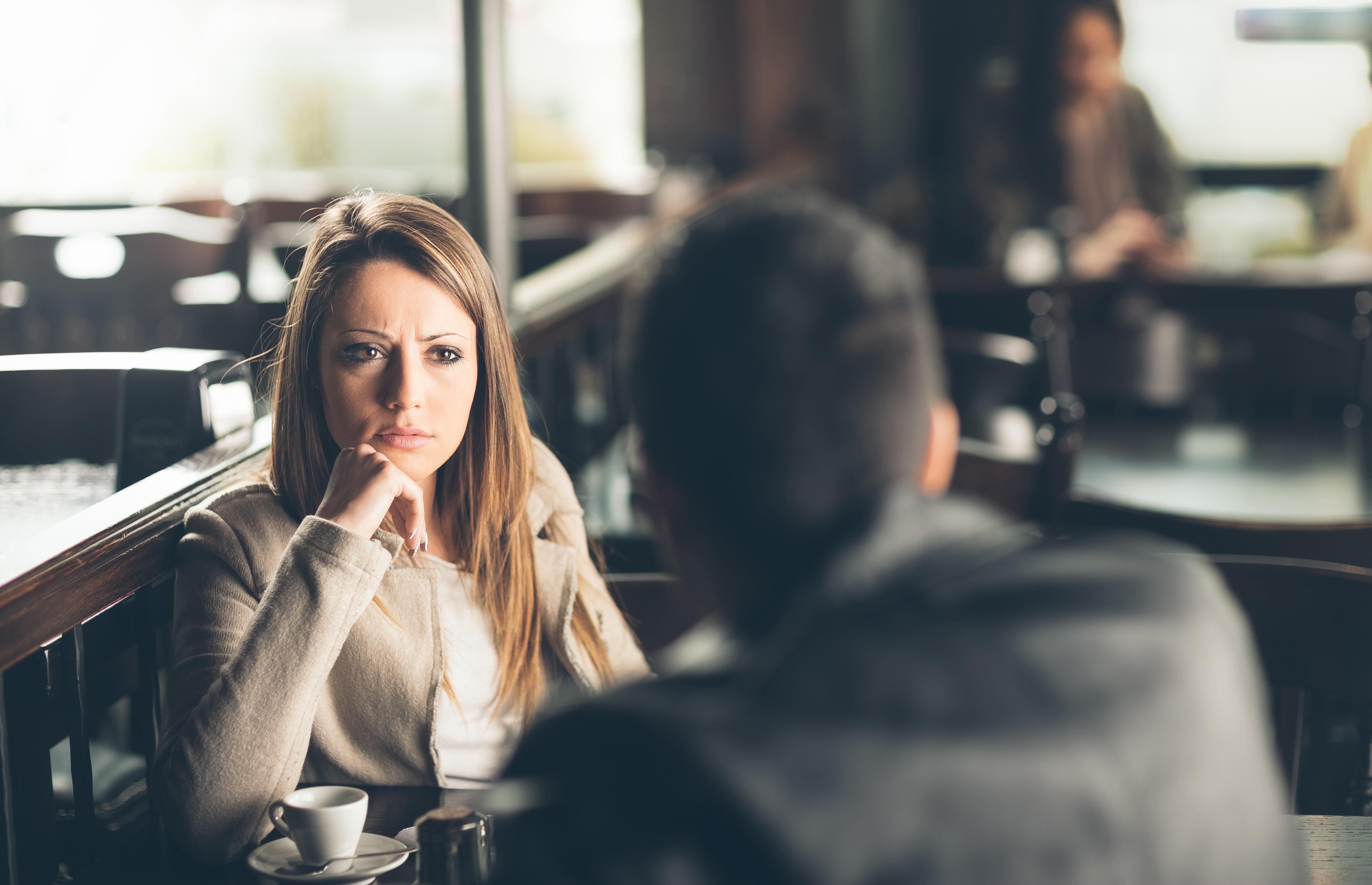 An diesen 8 Anzeichen erkennst du deinen zukünftigen Ex-Mann schon beim ersten