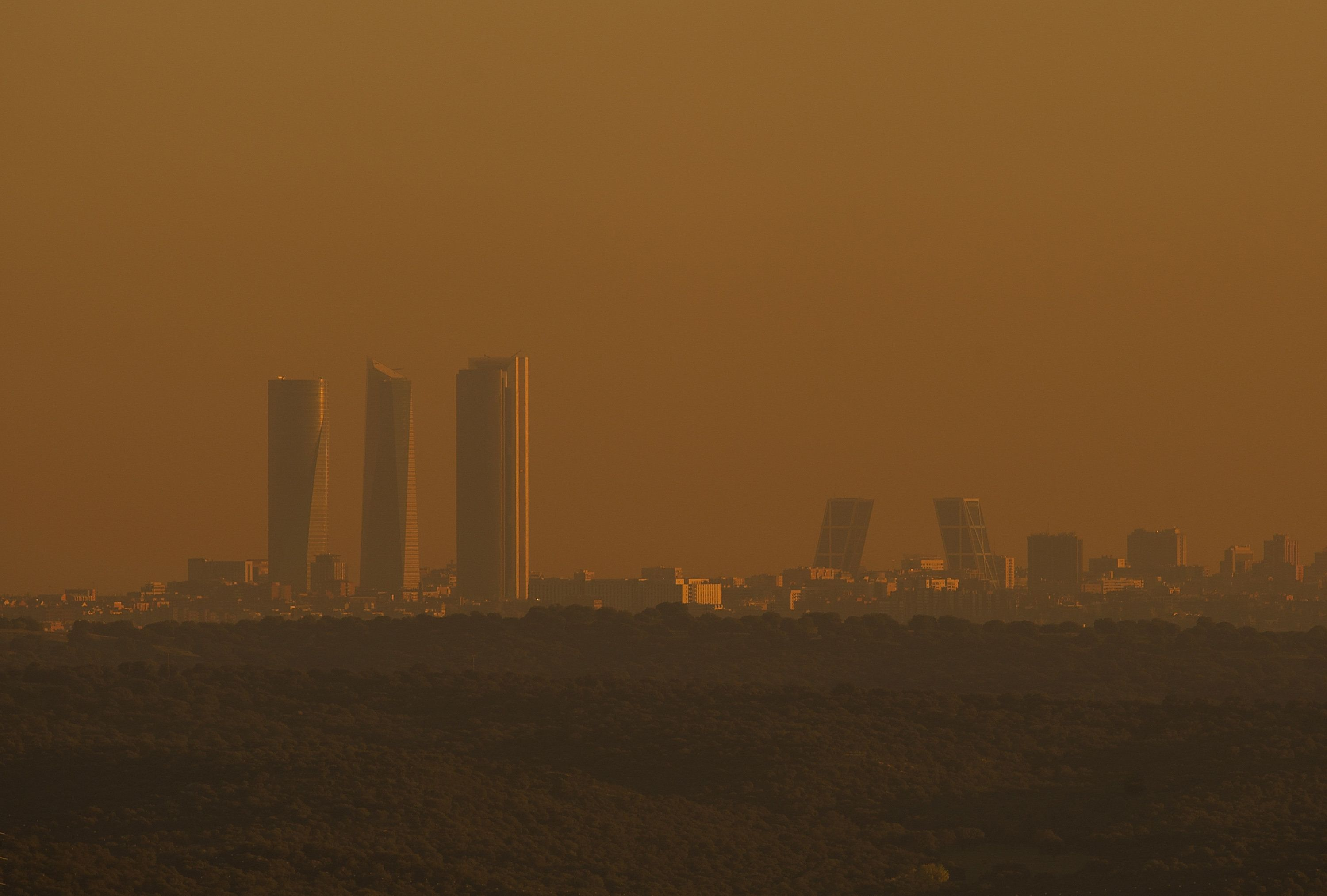 MADRID, SPAIN - NOVEMBER 12:  View of the city skyline seen after Madrid City Council reduced the speed limit on roads approaching and around the Spanish capital to 70km per hour on November 12, 2015 in Madrid, Spain. The measures were taken after authorities revealed excessive nitrogen dioxide pollutant levels across the city.  (Photo by Denis Doyle/Getty Images)