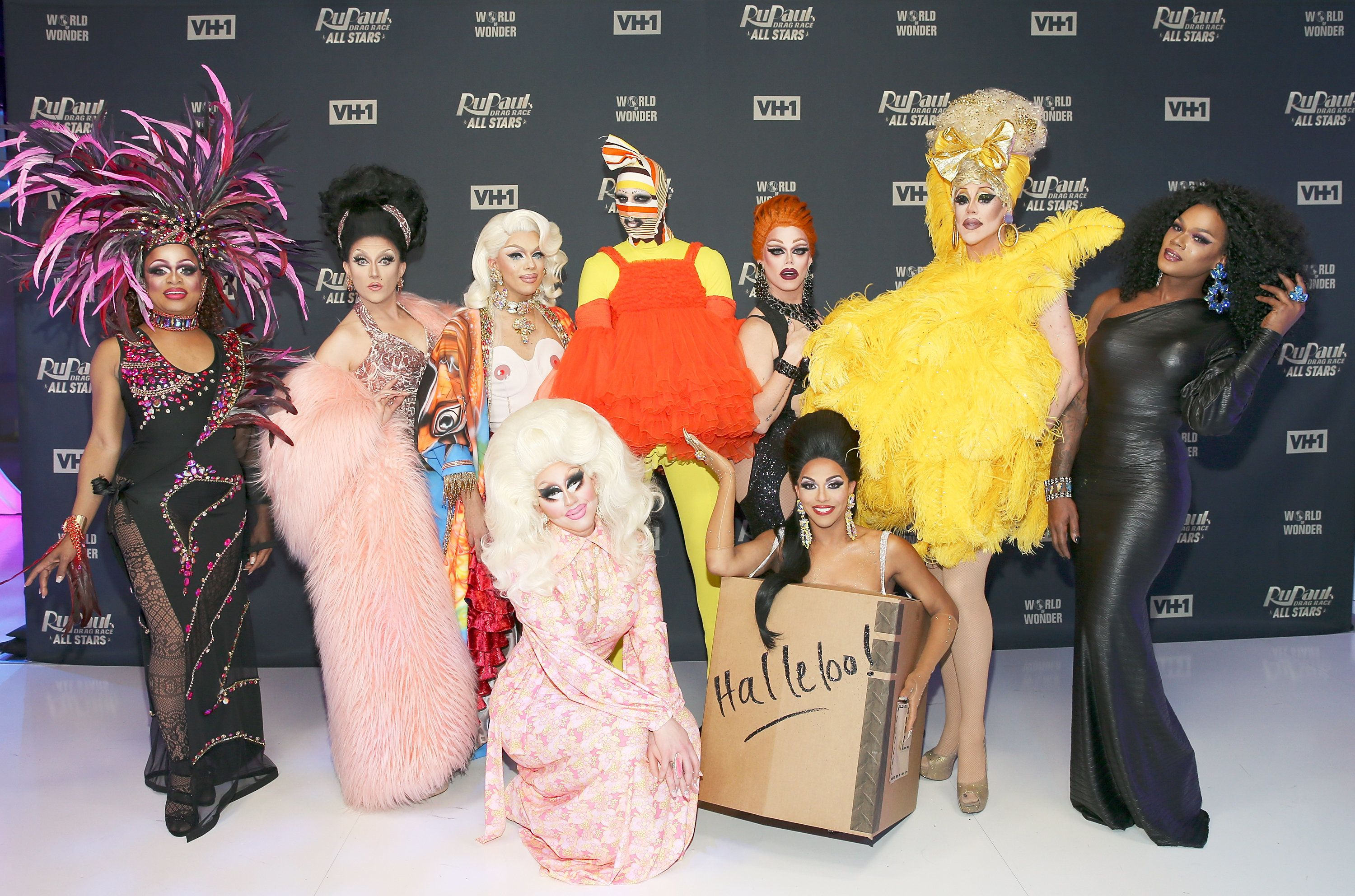 NEW YORK, NY - JANUARY 17:  Contestants (L- R) Kennedy Davenport, BenDeLaCreme, Aja, Trixie Mattel, Milk, Shagela, Morgan McMichaels, Thorgy Thor, and Chi Chi DeVayne attend  'RuPaul's Drag Race All Stars' Meet The Queens on January 17, 2018 in New York City.  (Photo by Bennett Raglin/Getty Images)