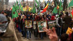 Χιλιάδες Κούρδοι διαδήλωσαν στη βόρεια Συρία κατά της Άγκυρας και των απειλών για επέμβαση στις περιοχές