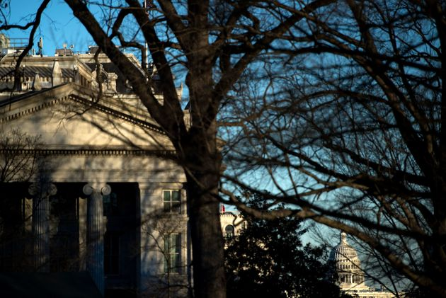 ΗΠΑ: Αντιμέτωπη με «παύση λειτουργίας» η ομοσπονδιακή κυβέρνηση μετά από πέντε