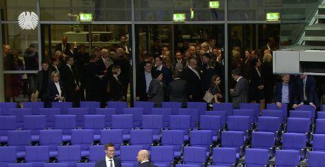 Die Abgeordneten mussten den Saal zur Zählung