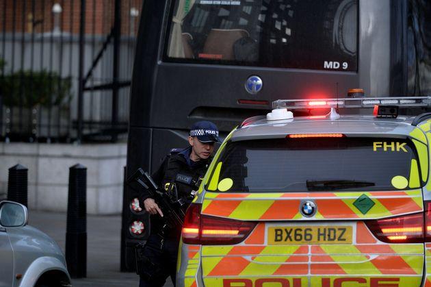 Λονδίνο: Έληξε ο συναγερμός από ύποπτο δέμα σε σιδηροδρομικό