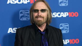 Musician Tom Petty poses at the 31st annual ASCAP Pop Music Awards in Hollywood, California, April 23, 2014.   REUTERS/Mario Anzuoni  (UNITED STATES - Tags: ENTERTAINMENT HEADSHOT)