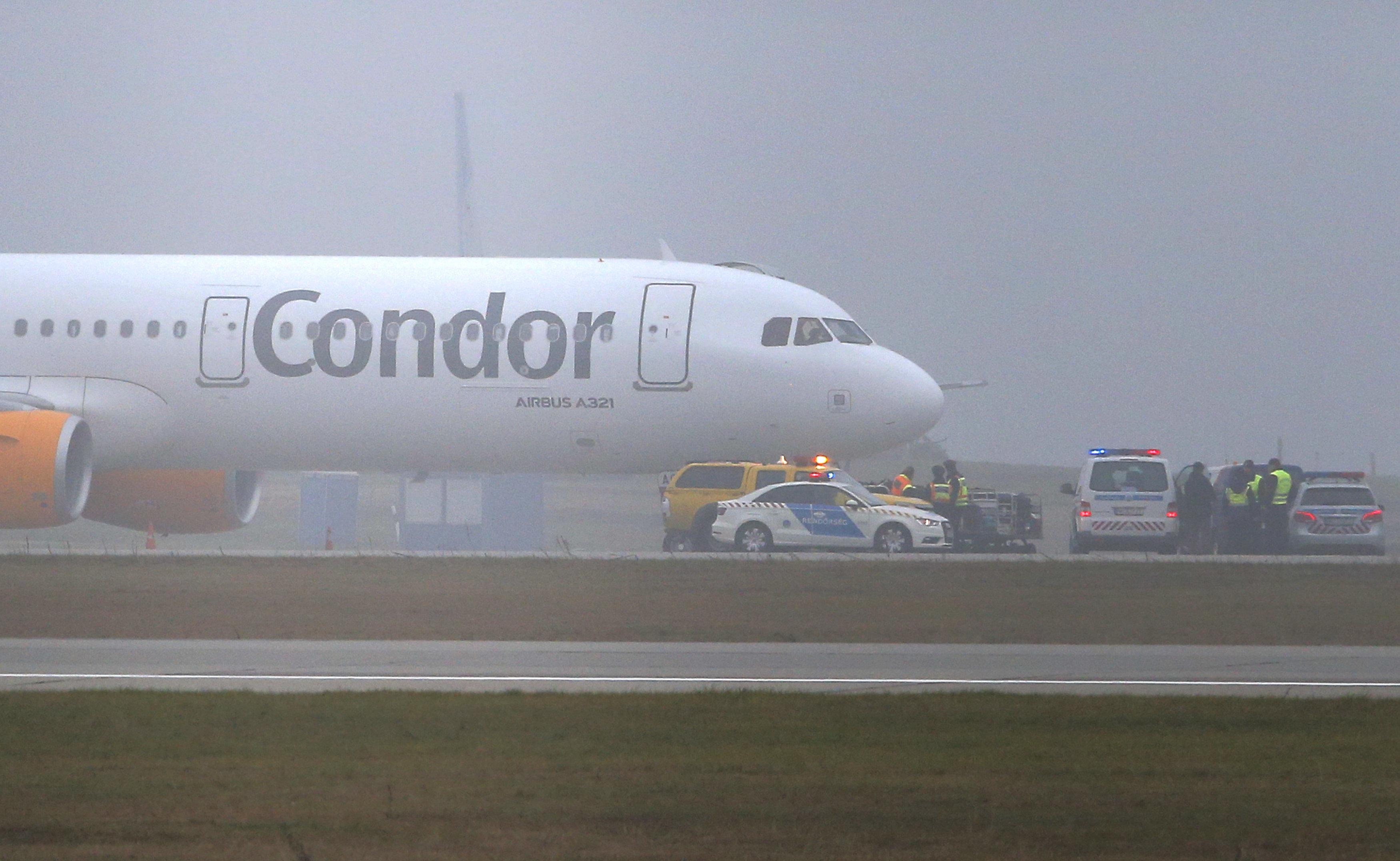 Krawallmacher zwingt Ferienflieger zu Zwischenlandung