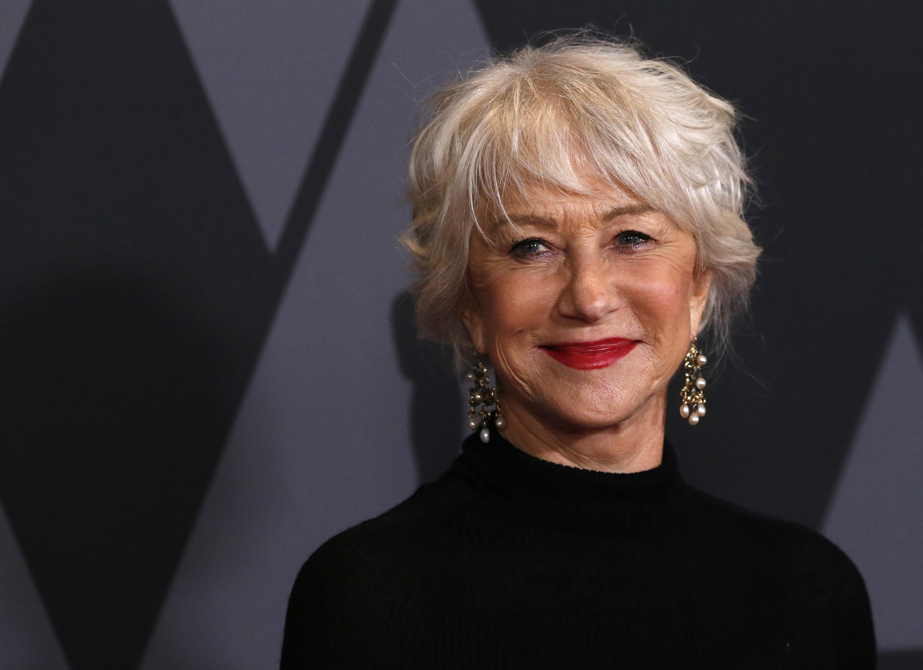 Helen Mirren: Αποκαλύπτει ότι οι άντρες εκτίθονταν μπροστά της κάθε εβδομάδα όταν εκείνη ήταν 20