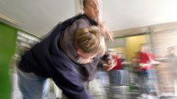 In NRW streiten sich zwei Kinder – als sich eine Mutter einmischt, eskaliert der Streit total
