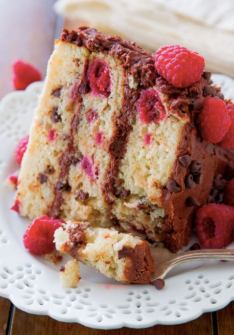 "<strong>Get the <a href=""http://sallysbakingaddiction.com/2014/03/28/raspberry-chocolate-chip-layer-cake/"" target=""_blank"">Ra"