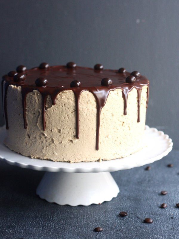 "<strong>Get the <a href=""http://www.completelydelicious.com/2014/01/chocolate-coffee-layer-cake.html"" target=""_blank"">Chocola"